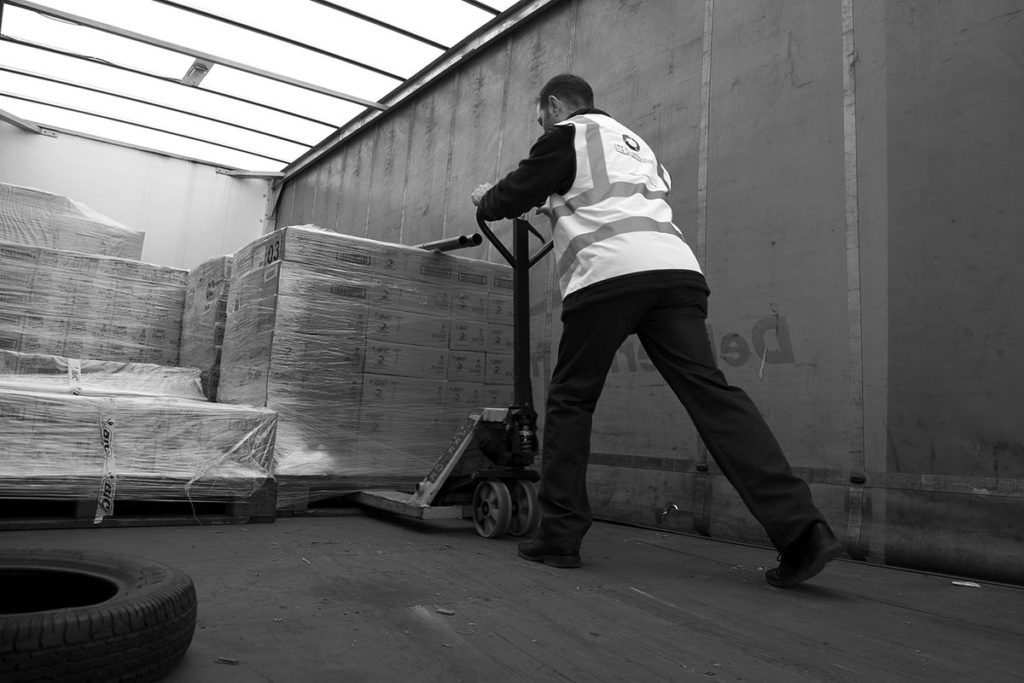 What is Pallet Delivery and How Does a Pallet Distribution Network Work?